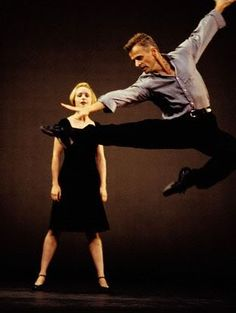 Even as he gets older mikhail baryshnikov is still one of the most talented dancers to ever grace a stage ! Flawless!!!