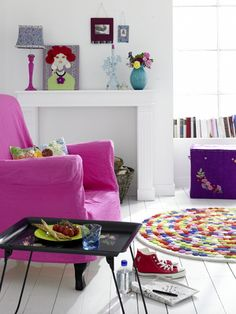 inspiration for embellishing a rug with felt circles, image via Mrs Boho: Habitaciones infantiles: colores que estimulan