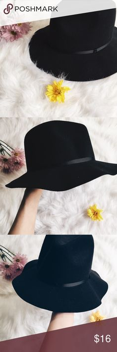 Aeropostale Boho Black Felt Hat ▪️Product Description▪️ ▫️Make it edgy, classy, or rustic- the black felt hat is a wardrobe necessity  ▫️A quick and easy way to tie a look together  ▪️Fit: Firm brim, so it stays in place versus a regular floppy sun hat  ▪️Condition: NWT  ▪️Measurements: Happy to provide them if needed Aeropostale Accessories Hats
