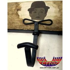 "PERCHERO DE PARED ""Charly"""