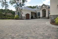 Estate Home Driveway with Transition Paver - Photos Driveway Design, Driveway Landscaping, Driveway Ideas, Patio Ideas, Modern Courtyard, Front Courtyard, Driveway Entrance, Mediterranean Style Homes, Front Entrances