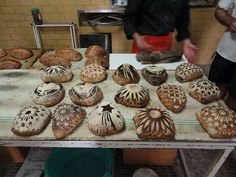 Pascual Merhod breads by Josep Pascual [@jpascforner) on Twitter], pinned with permission.