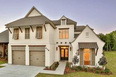 Southern Beauty With Outdoor Kitchen And Fireplace On Covered Rear Porch - 860016MCD thumb - 01