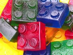 Gelatina de Lego!   Just Real Moms