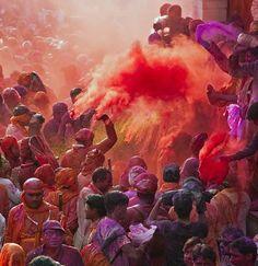 Holi celebration in Mathura, Uttar Pradesh, India, Asia Holi Festival India, Holi Festival Of Colours, Holi Celebration, Festival Celebration, Shivaji Maharaj Painting, People Around The World, Around The Worlds, Glitter Phone Wallpaper, Beginning Of Spring