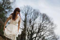 Novias de mentira  . @canonespana . #canon #5dmarkiv #35mm14 #fotografo #bodas #boda #fotografodebodas #fotosdebodas #weddingphotography #lookslikefilm #forestwedding #vintagephotography #bodasengalicia #destinationwedding #engaged #weddingdress #fotografodebodasourense #wedding #photographer#bride #weddingphotographer  #ourense #pontevedra #lugo #acoruña Telf.- 620905790 www.garabato-photo.com