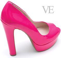 Edición Nº 39.   Revista VE.   Peep Toe taco alto con plataforma, marca Nine West.  Tienda: Pilum Jiménez.