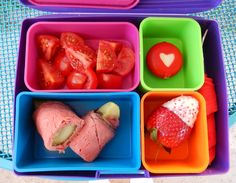 theworldaccordingtoeggface: Valentine-themed Bento #ValentinesDay #Bento #BentoBox #Lunch #LowCarb #LunchBox