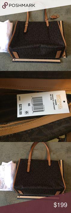 🎉Host Pick 6/26/17🎉 Michael Kors Darien Medium NWT. Michael Kors Darien medium tote. With dust cover. Michael Kors Bags Totes