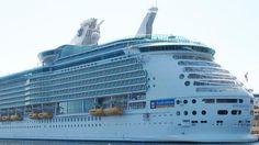Cuatro cruceros, con más de 12.000 personas, comparten escala en el puerto de Cádiz