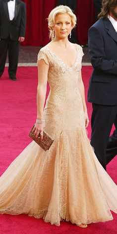 Kate Hudson glowing in this gown