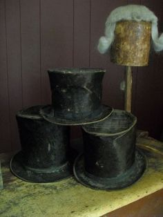 A collection of gentleman's hat's..