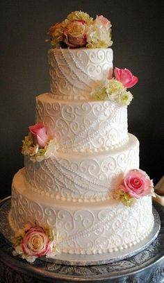 lace wedding cake...minus the flowers and pearls