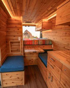 Rent Camper, Camper Van Life, Build A Camper Van, Camper Interior Design, Campervan Interior, Diy Caravan, Van Conversion Interior, Bus Conversion, Rv Redo