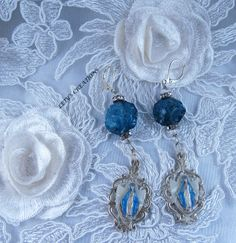 Vintage and New Our Lady of Miraculous Medal Earrings #catholic #vintage #medals #virginmary #ourladyofgrace #miraculousmedal www.letyscreations.com