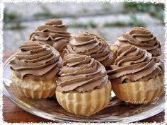 Picture of Recept - Rakvičkové košíčky s pařížskou šlehačkou Hungarian Recipes, Russian Recipes, Pavlova, Slovakian Food, Czech Desserts, Waffle Cake, Czech Recipes, Sweet Cookies, Desert Recipes