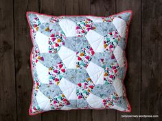 epp-pillow-cover-cottoncandyfabrics-dashwood-studio-kona-cotton-white-crown-shape-0-betyipiernaty