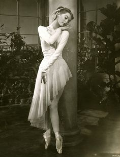 Moira Shearer, 1950's - Moira Shearer was the ballet dancer from the 1948 film The Red Shoes... Love that film