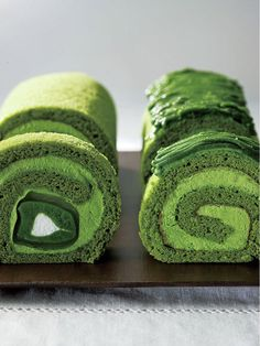 #Japanese green, Uji maccha rolled cake of Higashiyama saryo (Kyoto, Japan)|東山茶寮の宇治抹茶ロールケーキ