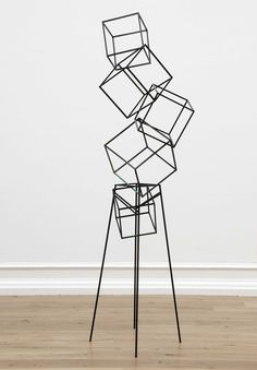 Eva Rothschild, Jokes, 2007 // painted oak, painted steel, 258 x 68 x 74 cm // 101.6 x 26.8 x 29.1