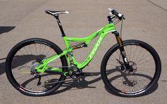 2013 Pivot Mach 429 Carbon, Les 29er Hardtail Mountain Bikes