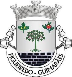 Heraldry of the World Civic heraldry of Portugal - Brasões dos municípios Portugueses - Escudo de prata, com uma figueira de verde arrancada do mesmo e frutada de púrpura; em chefe, dois ramos, um de carvalho de verde, frutado de ouro e outro de castanheiro de verde, com ouriço de vermelho aberto de ouro; campanha ameiada de negro, lavrada de prata. Coroa mural de prata de três torres. Listel branco, com a legenda a negro: Â«FIGUEIREDO - GUIMARÃES». de 10/02/05