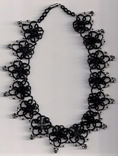 button necklace free pattern!!!