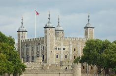 Founded nearly a millennium ago, The Tower of London has been expanded upon over the centuries by many a king and queen. The first foundations were laid in 1078 and the castle has been constantly improved and extended.  #london #tour #adventure #touristspot