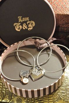 e352c90a3 Juicy Couture Crown Heart Charm Bangle Bracelet Set Rhinestone Silver Tone  8