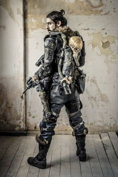 German Larper/ costumier rocking a sweet load out