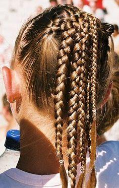 Learn more about braids hair look Vintage Hairstyles, Girl Hairstyles, Braided Hairstyles, Pelo Vintage, Runway Hair, Blond, Good Hair Day, Face Hair, Hair Dos