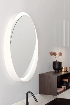 Tibò is a tilting #mirror that gives depth to the bathroom without weighing down the space. Bright, Canning, Mirror, Bathroom, Wood, Furniture, Space, Home Decor, Washroom