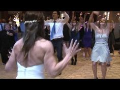 Bride Freaks Out During Kelly Clarkson Flash Mob Wedding Surprise