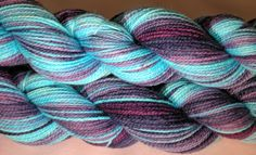 Lovely yarn with a gradual color transition