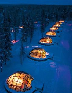 Thermal ice igloo to watch the northern lights in Finland