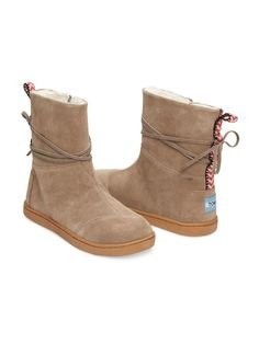 c971f4f81e2954 TOMS youth Sand Suede Nepal Boots Vans Suede