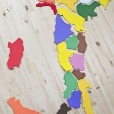 Gioco fai da te: le regioni d'Italia in gomma crepla