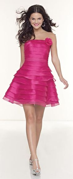 pink dress and beautiful Dresses For Teens, Short Dresses, Girls Dresses, Dresses Dresses, Quinceanera Dresses, Homecoming Dresses, Pink Fashion, Fashion Looks, Rosa Style