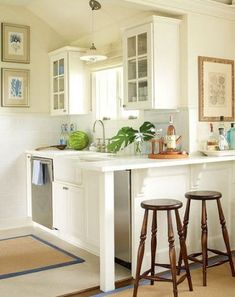 Cool kitchen remodel ideas open kitchen design layout,kitchen trolley table rustic oak kitchen cabinets,old retro kitchen cabinets modern classic kitchen design ideas. Small Kitchen Bar, Small Cottage Kitchen, Kitchen Bar Design, Cottage Kitchens, New Kitchen, Home Kitchens, Kitchen Decor, Kitchen Ideas, Small Kitchens