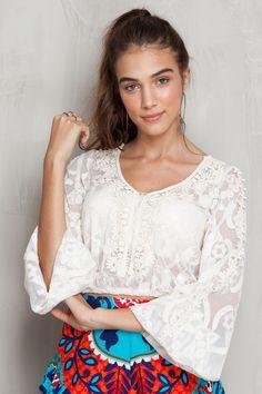 Bata curta renda | Dress to