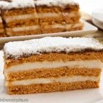 PRAJITURA CU FOI DE ZAHAR ARS SI CREMA DE VANILIE recipe Romanian Desserts, Romanian Food, No Cook Desserts, Delicious Desserts, Yummy Food, Cookie Recipes, Dessert Recipes, Russian Cakes, Food Obsession