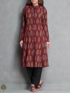 Madder Ajrakh Printed Cotton Kurta with Pockets by Jaypore Salwar Designs, Kurta Designs Women, Kurti Designs Party Wear, Kalamkari Kurta, Kalamkari Dresses, Indian Attire, Indian Outfits, Indian Wear, Indian Clothes