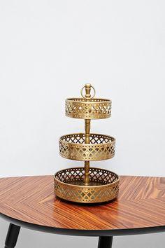 Présentoir à bijoux doré à trois niveaux @ Urban Outfitters
