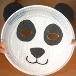 Il panda è un animale che piace a tutti i bambini e fare una maschera da Carnevale è molto facile, basta un piatto di carta! Panda, Holidays And Events, Diy For Kids, Dog Bowls, Tableware, Passion, Costumes, Children, Ideas