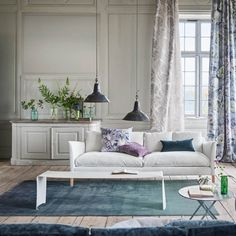 Buy Designers Guild Capisoli Teal Rug online with Houseology's Price Promise. Full Designers Guild collection with UK & International shipping. Designers Guild, Tricia Guild, Teal Rug, Blue Rugs, Tapis Design, Interior Decorating, Interior Design, Interior Concept, Contemporary Classic