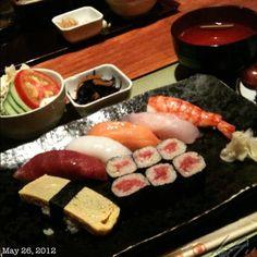 お昼ご飯 #sushi #lunch #japanese #food #makati #philippines #フィリピン #寿司 #ランチ