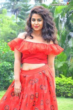 Indian Actress Images, South Indian Actress Hot, Tamil Actress Photos, Indian Actresses, Beautiful Girl Indian, Most Beautiful Indian Actress, Beautiful Saree, Bollywood Girls, Bollywood Actress