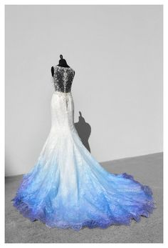Ombre Wedding Dress, Blue Wedding Dresses, Colored Wedding Gowns, Cute Prom Dresses, Pretty Dresses, Formal Dresses, Teen Dresses, Midi Dresses, Mode Outfits