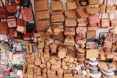 A Guide To Ubud Art Markets (a pair & a spare) Leather Bags Handmade, Handmade Bags, Ubud Palace, Bali Shopping, Wood Basket, Batik Pattern, Flower Packaging, Good Find, Tag Art