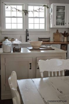 I live this simple kitchen